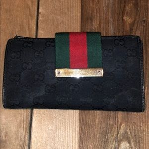 Vintage and Authentic Gucci Wallet